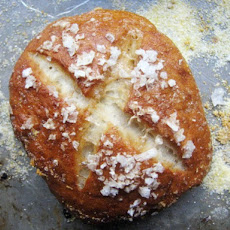 Sunday Brunch: Pretzel Rolls