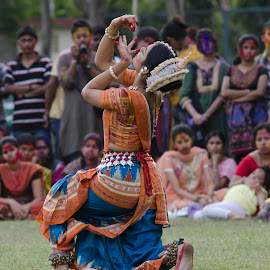 Mudra by Supratik Chakraborty - People Musicians & Entertainers ( performance, woman, odissey, india, dance )