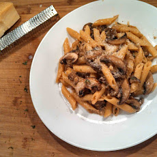 Meatless Monday ~ Penne With Portobello Mushrooms, Caramelized Onions and Goat Cheese
