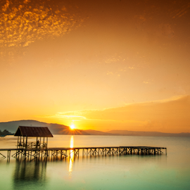 Sunrise at Timampu Jetty by Kurniawan Edy Mattalitti - Landscapes Sunsets & Sunrises ( timampu, port, towuti, lake, jetty, sunrise )