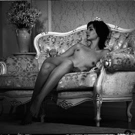 Queen by Sergey Ostapovsky - Nudes & Boudoir Artistic Nude