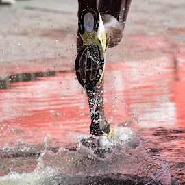 Run on the water by Alberto Schiavo - Sports & Fitness Running