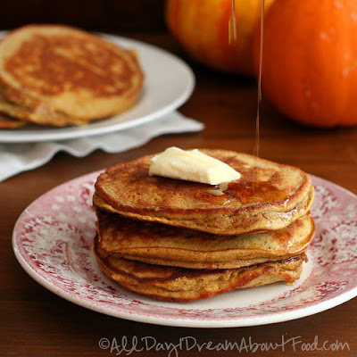 Pumpkin Coconut Flour Pancakes – Low Carb and Gluten-Free