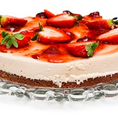 Strawberry Skyr Cake With Sweet Chocolate Base