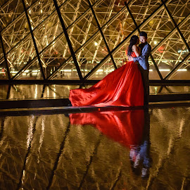 Love in Paris <3 by Iosif Miclaus - People Couples ( love, paris, reflection, louvre, sweet, couple, night )