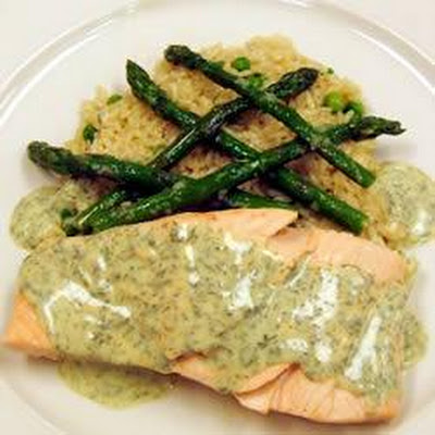 Quick Poached Salmon with Yoghurt-Dill Sauce