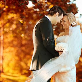 by Donatas Zasciurinskas - Wedding Bride & Groom
