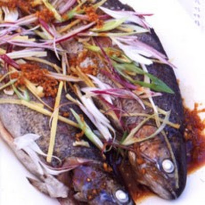 Chinese Steamed Trout with Ginger and Spring Onions