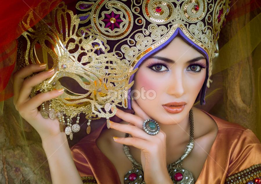 Kartika by Nanto 사파이어 - People Portraits of Women ( ethnic, false color, kartika, beauty,  )
