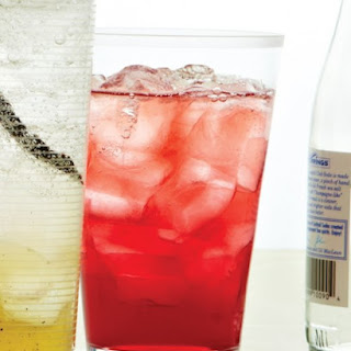 Green-Tea Cranberry Spritzer