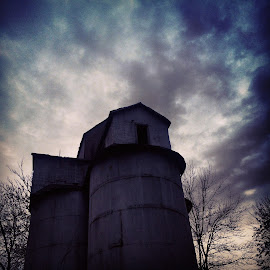 by Chris Taylor - Instagram & Mobile iPhone ( phone 5s, clouds, 365, sky, autumn, iphonography, dark, vignette, abandoned )