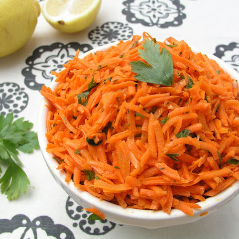 Moroccan Raw Carrot Salad