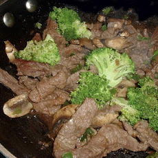 Stir fried Garlic Beef with Broccoli