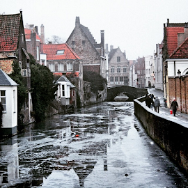 In Brugge, Belgium ... Winter 2010 ... One of the Most Beautiful Cities in the World ... The World Heritage of UNESCO ... The Medieval City of Europe ... I ❤️ BRUGGE ... by Maritha Graph - City,  Street & Park  Historic Districts ( brugge, belgium, mostbeautifulcity, world, winter, 2010, worldheritage, unesco, medieval, ilovebrugge )