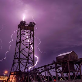 Energy charge by Piroska B - News & Events Weather & Storms ( , creativity, lighting, art, artistic, purple, mood factory, lights, color, fun )