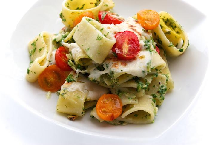 ... Pasta with Arugula Pesto, Almonds, Fresh Mozzarella & Cherry Tomatoes