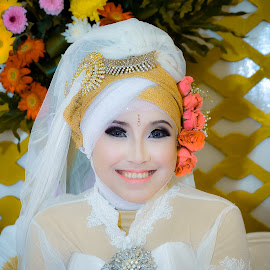 Pengantin Wanita #2 by Asridjaja Apolita - Wedding Bride ( model, fashion, fifastufoni-fotografi, wedding, pengantin, fsf, hijab, bride, people, wanita )