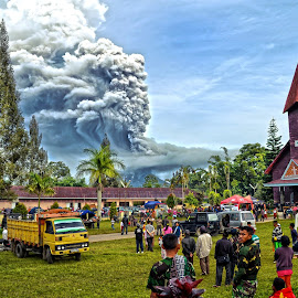 Sinabung Volcano still Eruption  by Kriswanto Ginting's - News & Events Disasters ( volcano, mount, indonesia, karo, eruption, sinabung )