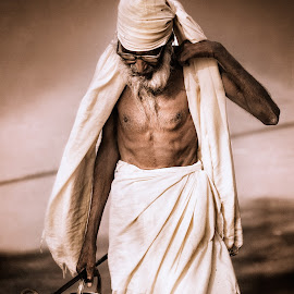 Pilgrim by Dimitar Pavlov - People Portraits of Men ( india rajasthan, piligrim )