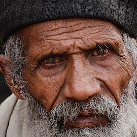 Fakhru Baba by Rakesh Syal - People Portraits of Men