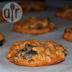 Soft Raisin and Oatmeal Cookies