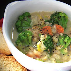 Yummy Broccoli Veggie Soup