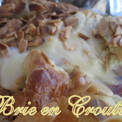 Cranberry & Toasted Almond Brie En Croute