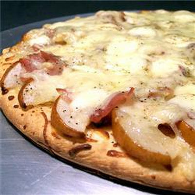 Prosciutto and Pear Pizza