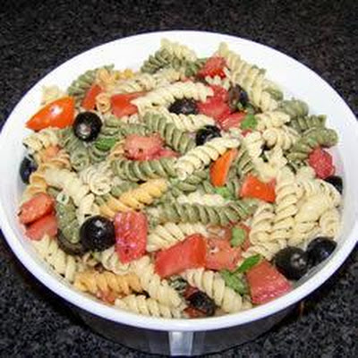 Easy Olive Oil, Tomato and Basil Pasta