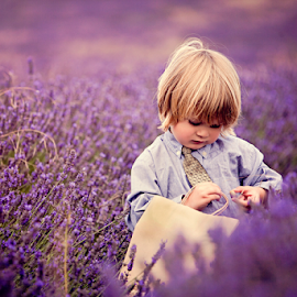 Found a Snail :) by Chinchilla  Photography - Babies & Children Toddlers