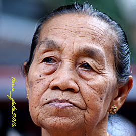 The Mother by Hartono Wijaya Toraja - Novices Only Portraits & People ( makassar, mother )