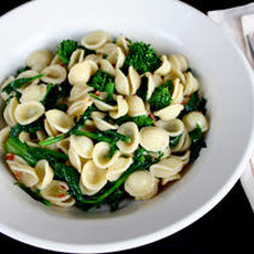 Orecchiette with Broccoli Rabe, Red Pepper Flakes, and Anchovies Recipe