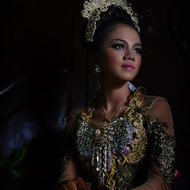 Pengantin by Mursyid Alfa - People Portraits of Women ( fashion, woman, beauty, bride )
