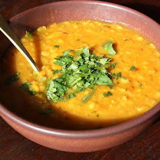 Easy Curried Yellow Dal (Yellow Split Peas)