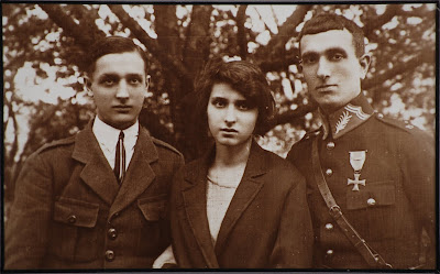 Karski's eldest brother, Marian Kozielewski joined Marshall Piłsudski's Legions and had a hand in Piłsudski's successful campaign for national independence in 1918. In the photo Karski's siblings: from left Cyprian, Laura and Marian.