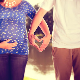 Pregnant Couple by Nick Mateja - People Maternity ( girl, heart, pregnant, couple, cute, boy )