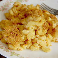 Easy Baked Macaroni & Cheese