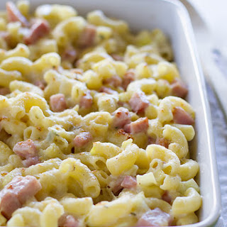 Homemade Macaroni and Cheese with Ham and Leeks