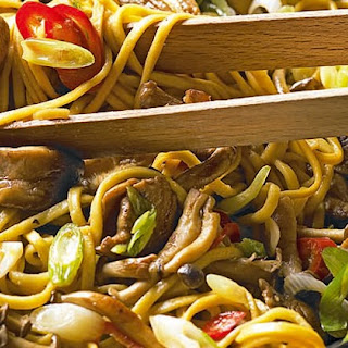 Chinese Noodles With Mixed Mushrooms