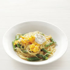 Pasta with Asparagus and Scrambled Eggs