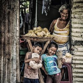 by Julio César Rosales Chávez - People Street & Candids