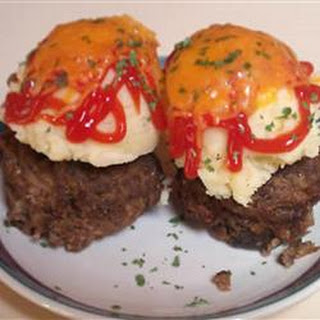 Meatloaf Muffins With Brown Gravy