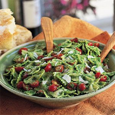 Farfalle with Arugula Pesto and Tomatoes (Farfalle con Pesto di Arugula)