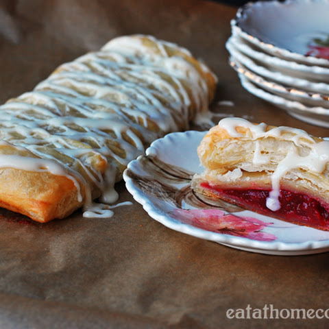 Easy Cranberry Strudel