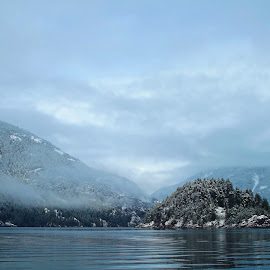 Victor Island  dusted by Art Straw - Landscapes Weather ( water, clouds, cabin, blue, snow, island )