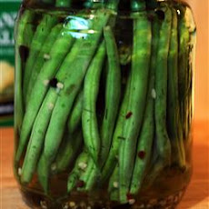 Crisp Pickled Green Beans