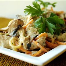Easy Slow Cooker Chicken Tetrazzini