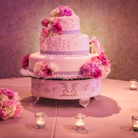 Majestic Cake by Yansen Setiawan - Wedding Details ( reception, cake, detail, wedding detail, wedding, pink, wedding cake )