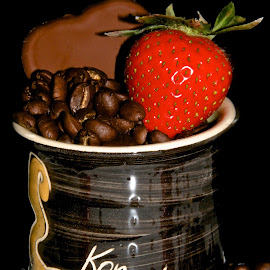 Cup of coffee by Anka Alstad - Food & Drink Candy & Dessert ( cup, beans, coffee, jazz, strawberry, kongsberg )