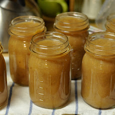 Homecanned Spiced Applesauce
